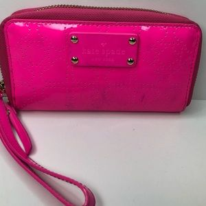 Kate Spade ♠️ Wallet/Wristlet in Hot Pink with 💕